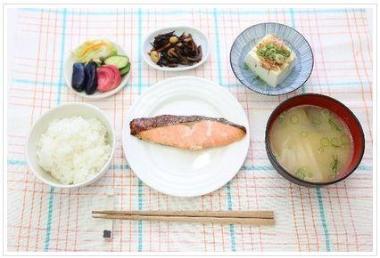 ダイエット中 外食 和食 洋食 どっち