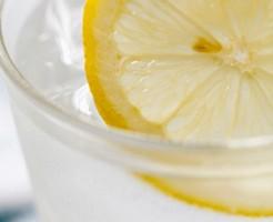 むくみ 解消 レモン水