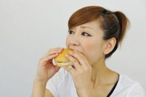 ダイエット中 昼食 マクドナルド ハンバーガー 太る