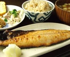 玄米 野菜 ダイエット 栄養素 タンパク質 不足
