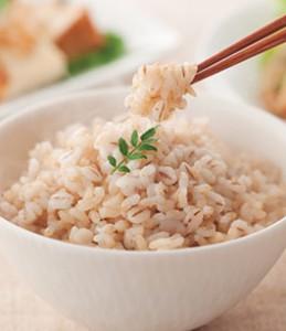 玄米 ダイエット 向いている人 高カロリーの食事 便秘 早食い