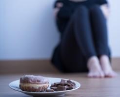 ダイエット中 チョコレート 食べてしまった 対策 軽い運動 ナッツ お茶