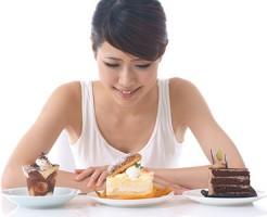 ダイエット中 甘いもの 食後 血糖値 上昇 穏やか