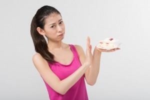 間食 抑える方法 目の届かない場所に置く 気分転換 外出