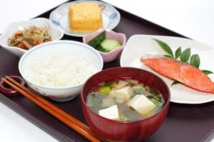 産後ダイエット オススメの食材 豆腐 鶏肉 タンパク質 鉄分 葉酸 カルシウム