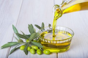 オリーブオイル ダイエット 脂肪燃焼効果 便秘解消