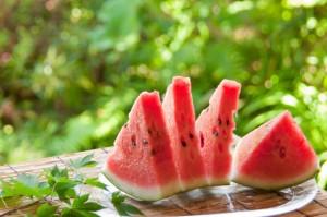 ダイエット中 夏 果物 スイカ 水分 シトルリン 代謝アップ