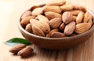 ダイエット停滞期 アーモンド オススメ タンパク質 鉄分 カルシウム