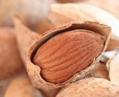 ダイエット 間食 アーモンド 不溶性食物繊維 ビタミンB2