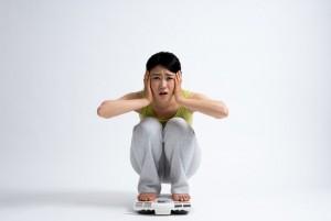 生理前 ダイエット効果 太りやすい 黄体ホルモン むくみ