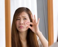 顔にお肉がつく原因 表情筋の衰え むくみ 血行不良