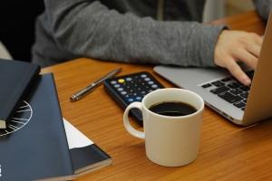 ダイエット中 間食 仕事中 会社 切り替え ブラックコーヒー