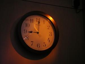 太りやすい 時間帯 就寝前 午後10時 夜中の2時 BMAL1