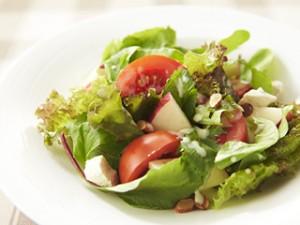 ダイエット中 最初にサラダ 満腹感 食物繊維