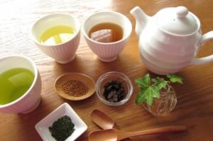 ダイエット 食事中 お茶 ポリフェノール 食物繊維 サポニン ミネラル
