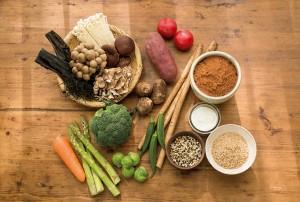 太りにくい パンの食べ方 食物繊維 野菜 海藻類 豆類 こんにゃく類